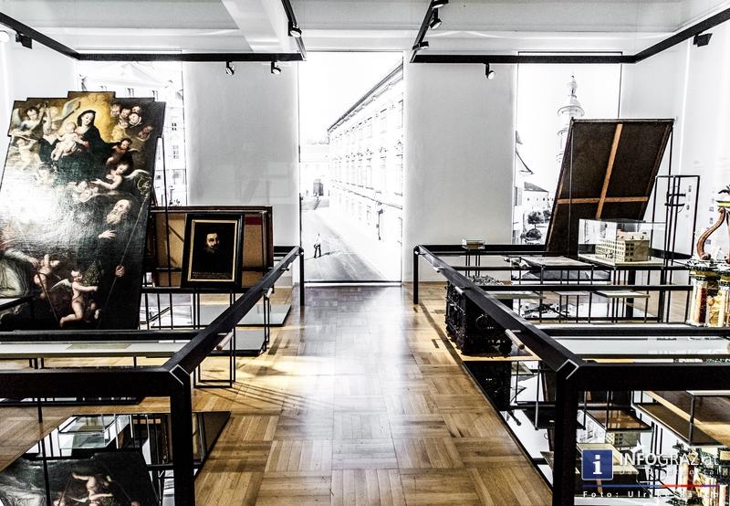 bilder von der grazer ausstellungser ffnung ort der unruhe von ernst logar am 7 mai 2013 im. Black Bedroom Furniture Sets. Home Design Ideas