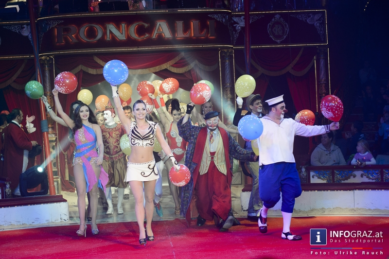 Circus Roncalli mit 'Time is Honey' am Messegelände Graz - 2. November 2014 - 021