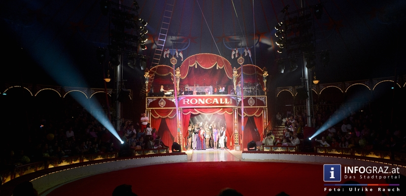 Circus Roncalli mit 'Time is Honey' am Messegelände Graz - 2. November 2014 - 027