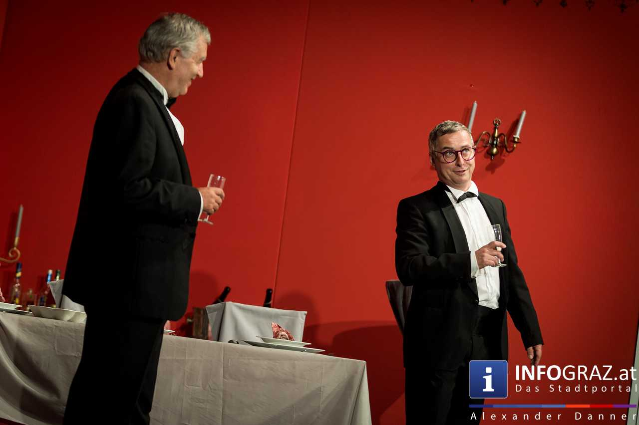 'Die Dinner Party' im Innenhof des Ferdinandeums, Theater im Keller Sommerproduktion - 035