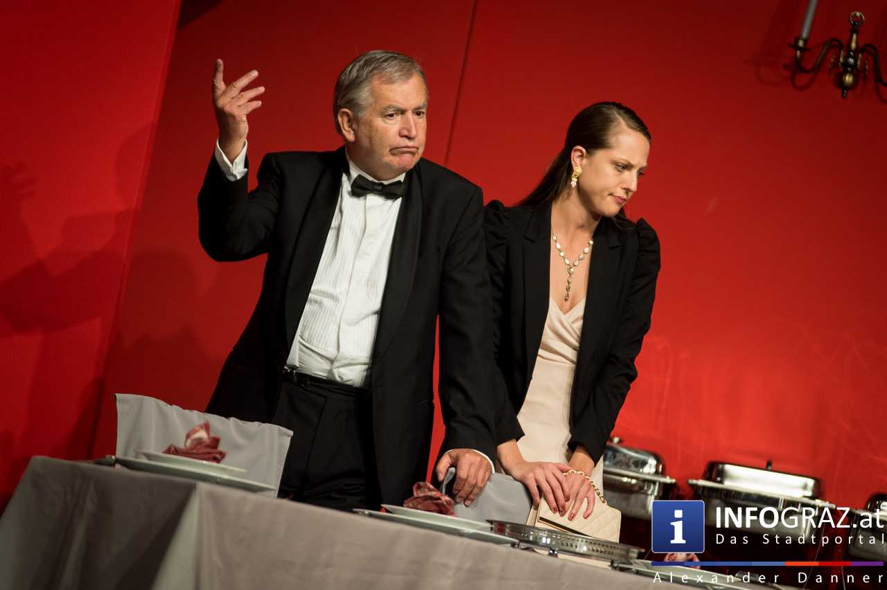 'Die Dinner Party' im Innenhof des Ferdinandeums, Theater im Keller Sommerproduktion - 042