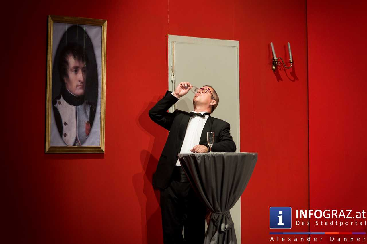 'Die Dinner Party' im Innenhof des Ferdinandeums, Theater im Keller Sommerproduktion - 048