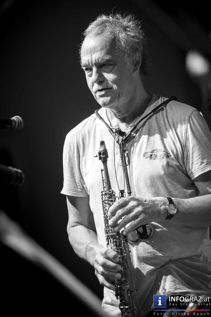 Karlheinz Miklin - 'Jazz via Brazil' am 4. August 2016 am Mariahilferplatz - 044