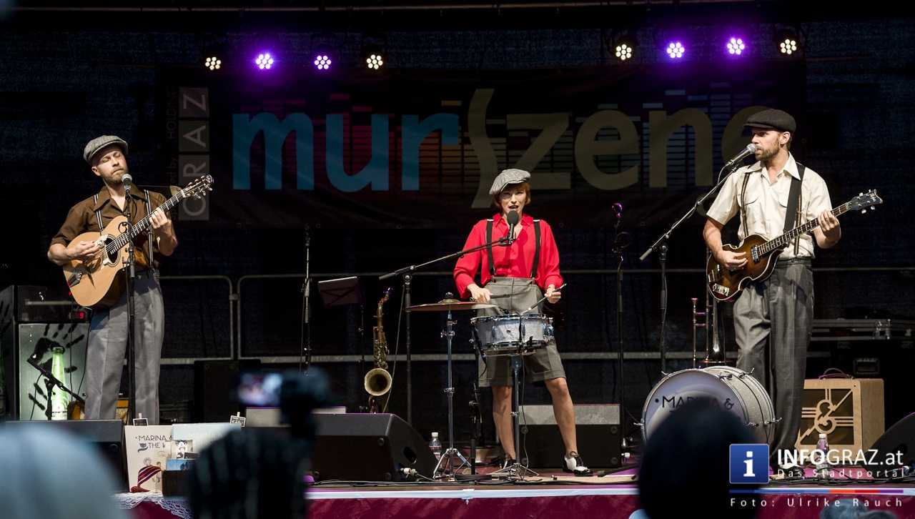 Marina and the cats Bei der Murszene 2017 - Graz Mariahilferplatz - 007